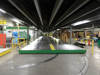 dual bed power pivoting conveyor